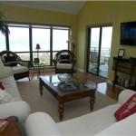 Shorewood Villas Living Room